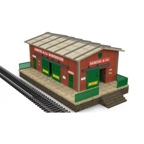 HO/OO Scale Warehouse w/Motorized Working Doors